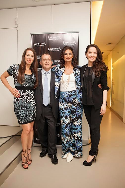 Victoria Onetto, Mariana Arias y Natalia Oreiro junto al Dr. Sergio Korzin
