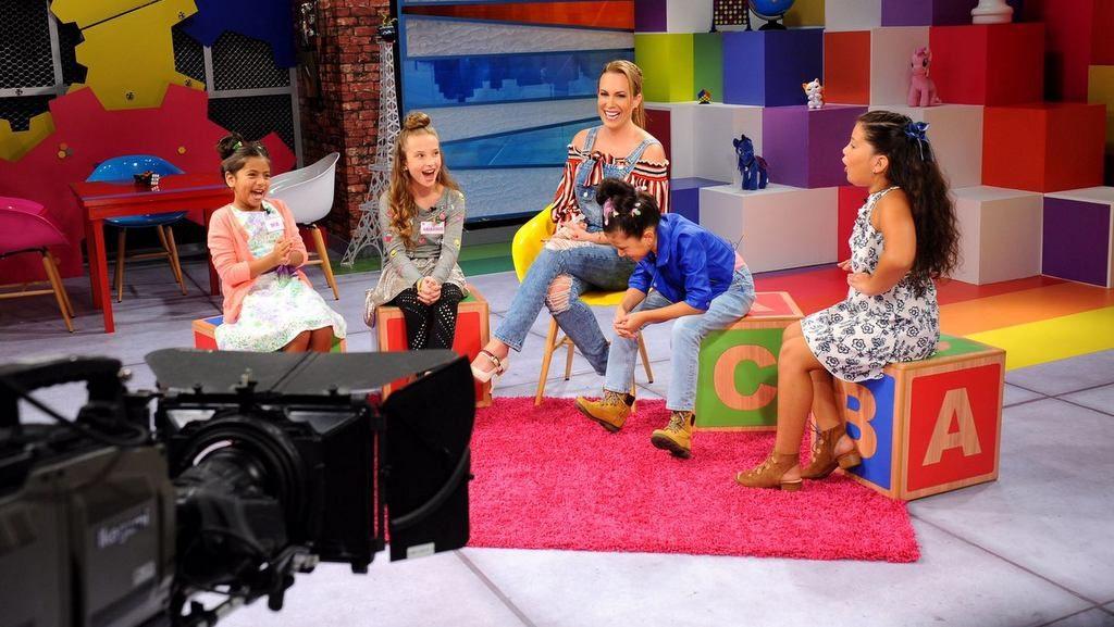 Natalia Denegri presenta com productora el CD infantil Corazones Guerreros